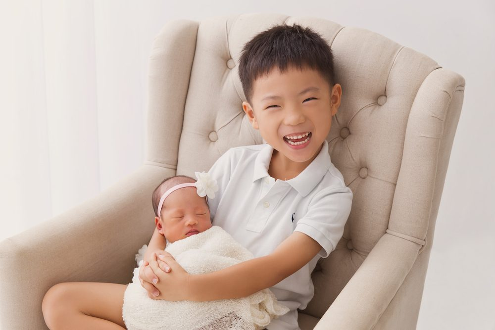 Newborn and Sibling Photoshoot