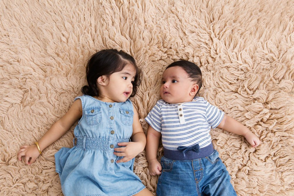 sibling and baby photoshoot